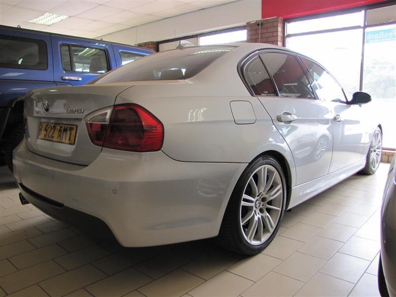BMW 3 series 325i in Botswana