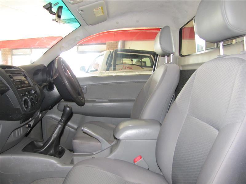 Toyota Hilux SRX D4D in Botswana