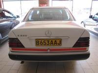 Mercedes Benz E220 for sale in Botswana - 4