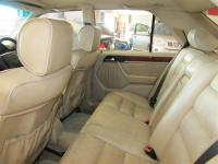 Mercedes Benz E220 for sale in Botswana - 8