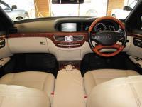 Mercedes Benz S350 for sale in Botswana - 6
