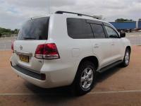 Toyota Land Cruiser V8 for sale in Botswana - 3