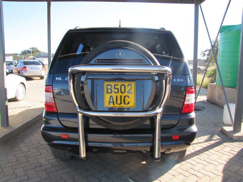 Mercedes-Benz ML ML270 in Botswana