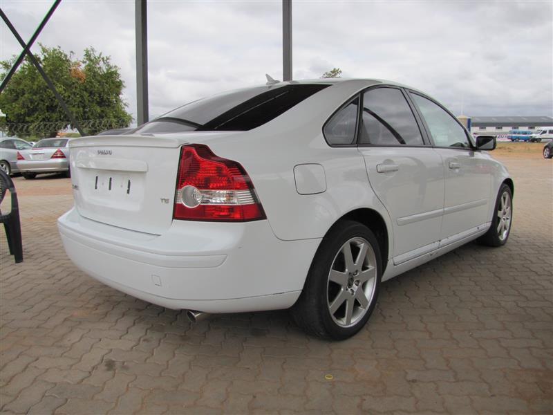 Volovo S40 T5 in Botswana