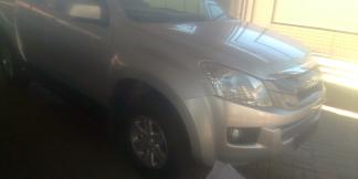 Used Isuzu KB240 for sale in Namibia - 3
