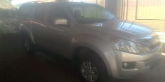 Used Isuzu KB240 for sale in Namibia - 0