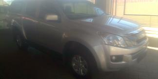Used Isuzu KB240 for sale in Namibia - 4