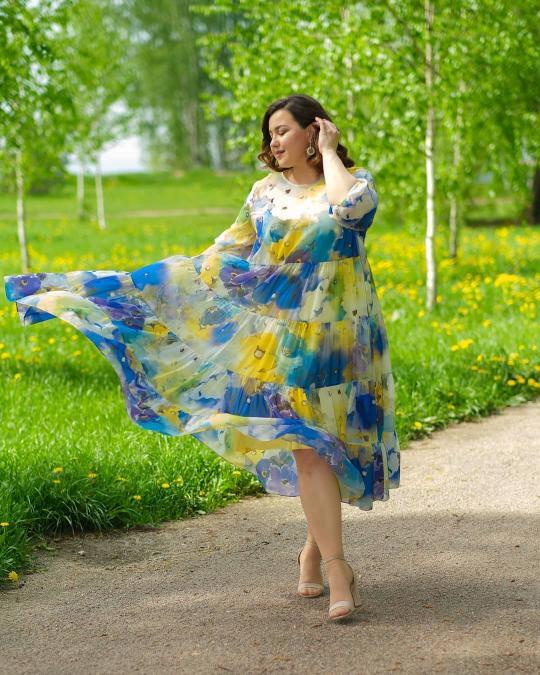 Яркое, летнее платье с цветочным принтом!