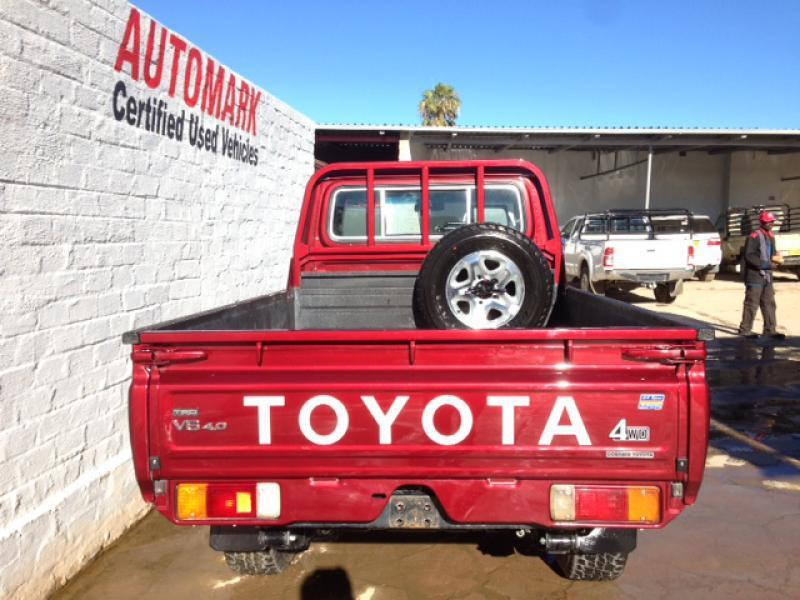 Toyota Land Cruiser VVT-I in