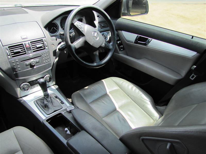 Mercedes Benz C280 in