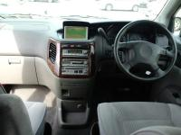 Nissan Elgrand in