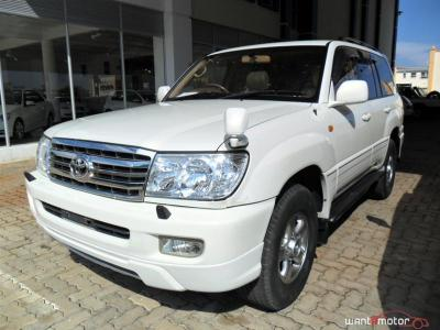 Toyota Land Cruiser VX Limited in