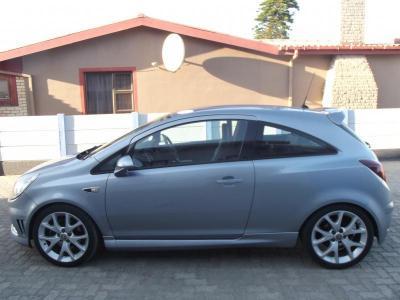 Opel Corsa OPC in