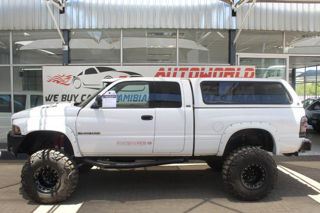 Dodge RAM 2500 in