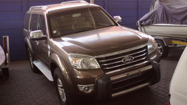 Ford Everest in