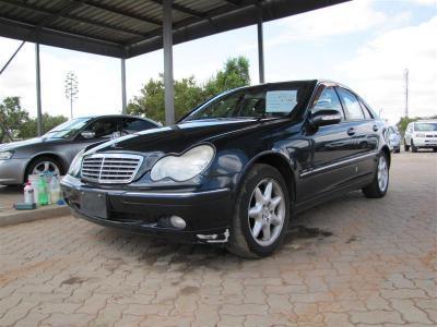 Mercedes Benz C240 in
