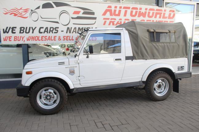 Suzuki Gypsy in
