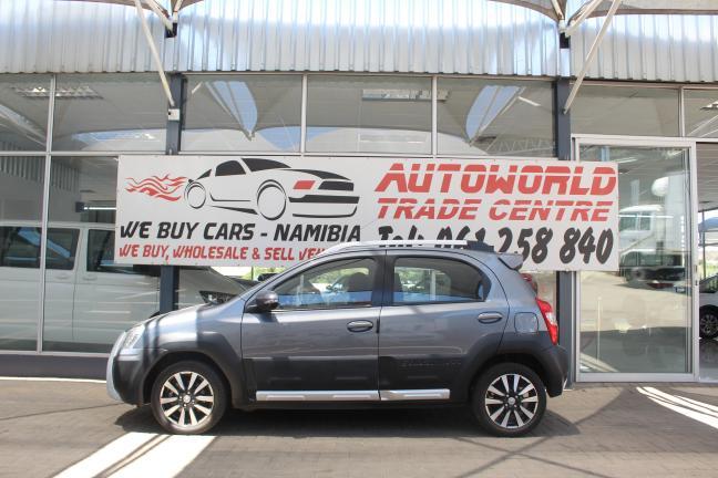 Toyota Etios Cross in