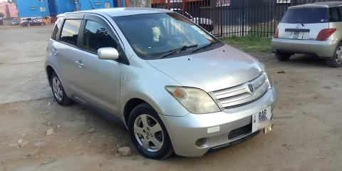 Toyota Ist in