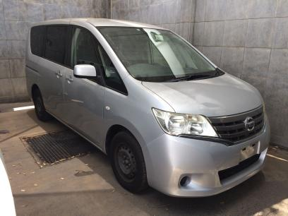 Used Nissan Serena in