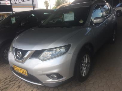 Used Nissan X-Trail SE in