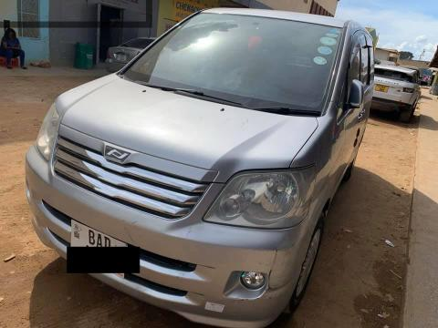 Used Toyota Noah in
