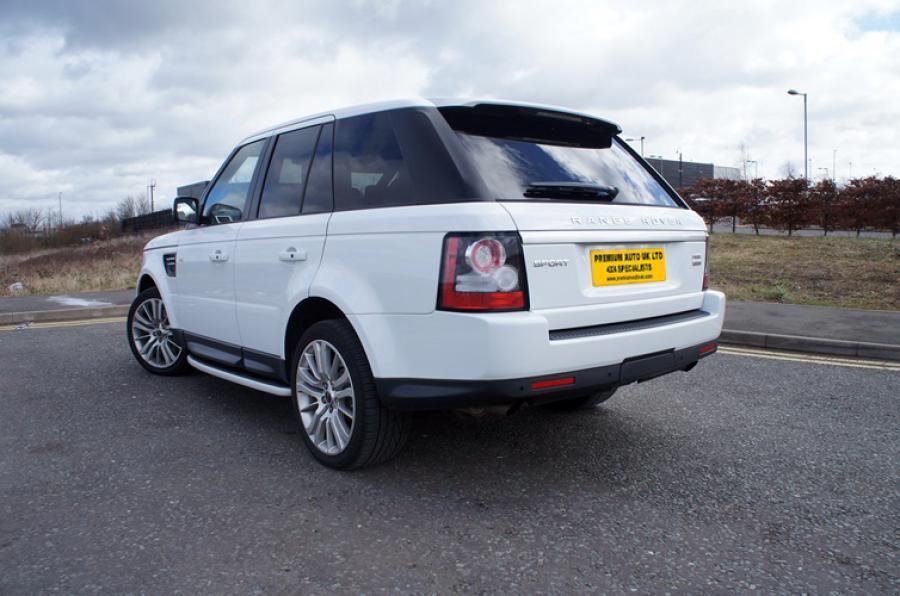 Land Rover Range Rover Sport SDV6 HSE in Botswana