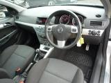 Opel Astra for sale in Botswana - 2