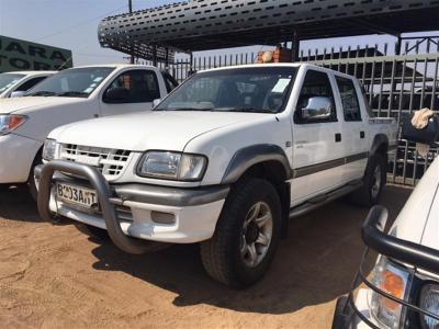 Isuzu KB320 LX in Botswana