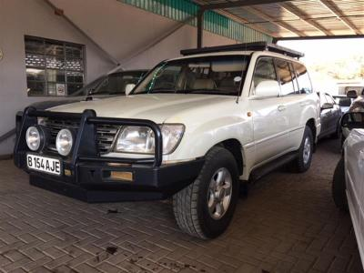 Toyota Land Cruiser V8 VX in Botswana