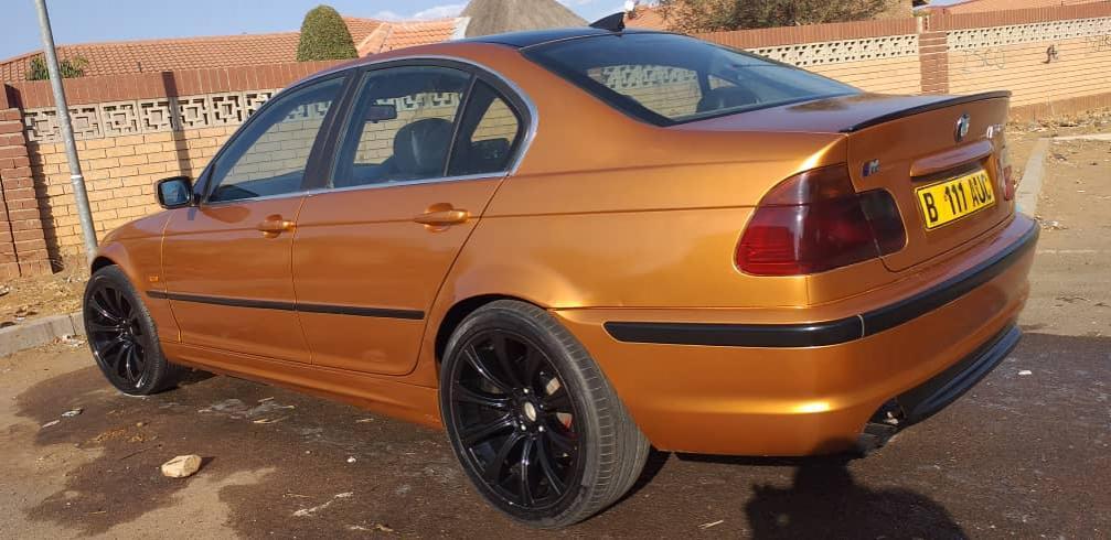 BMW 328 MSPORT in Botswana