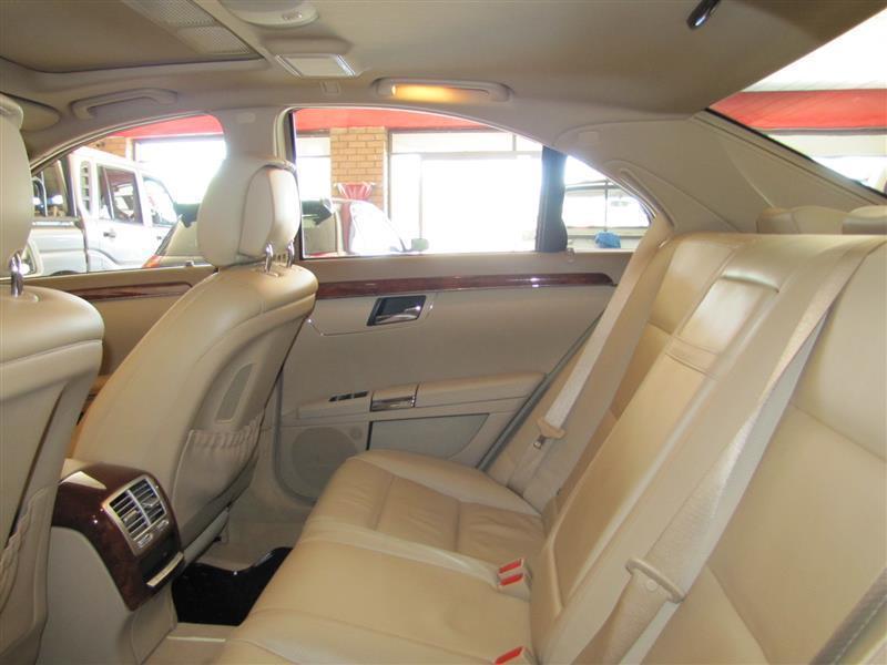 Mercedes-Benz S class S500 V8 in Botswana