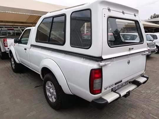 Used Nissan NP300 in Botswana