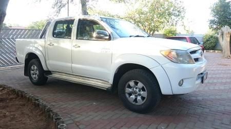 Pick-Up Double Cab Toyota Hilux 2.7vvti for sale in Gaborone,