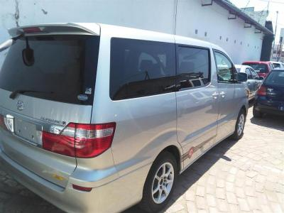 Microbus / Minibus Toyota Alphard  for sale in Gaborone,