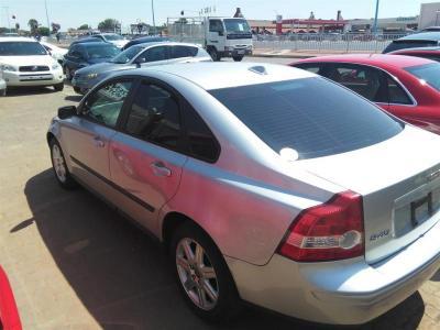 Sedan Volvo S40  for sale in Gaborone,