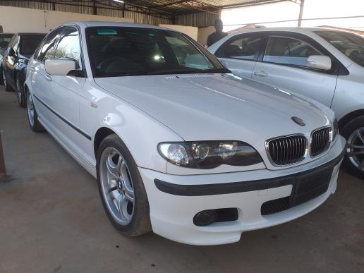 BMW 320 in