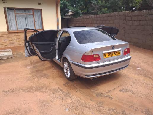 BMW 320i E46 in Botswana