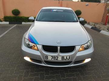 BMW 320i E90 in