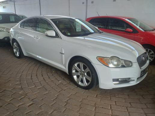 Jaguar XF in