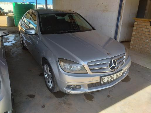 Mercedes Benz C180 in