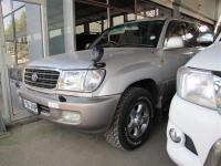 Toyota Land Cruiser V8 in