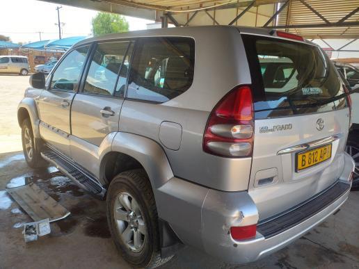 Toyota LandCruiser Prado in Botswana