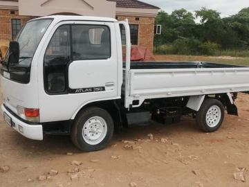 Used Nissan Altra in Botswana