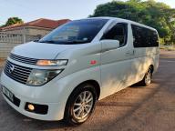 Nissan Elgrande for sale in Botswana - 11
