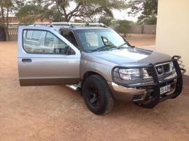 Nisssan SE for sale in Botswana - 3