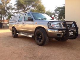 Nisssan SE for sale in Botswana - 5