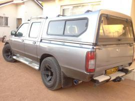 Nisssan SE for sale in Botswana - 6