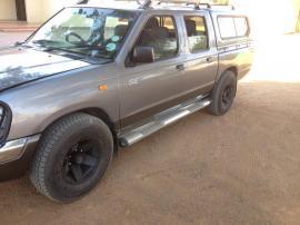 Nisssan SE for sale in Botswana - 12