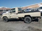 Used damaged runner Toyota Land Cruiser for sale in Botswana - 3